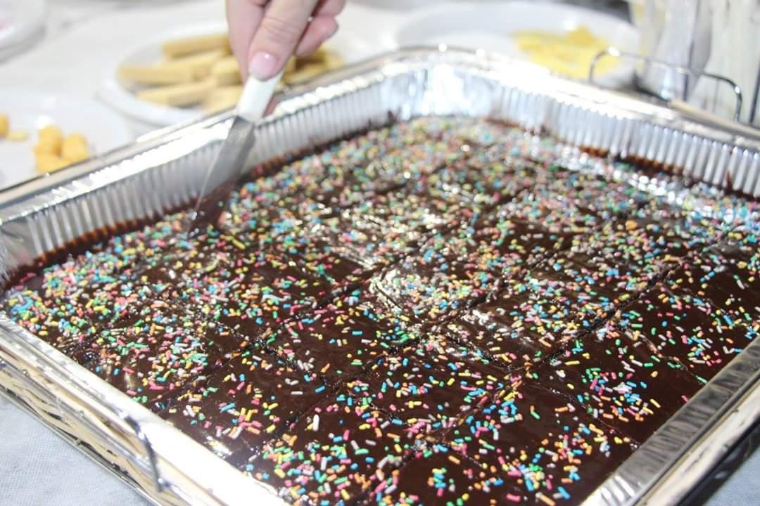 עוגת יום הולדת טבעונית מושלמת, רכה ואוורירית!